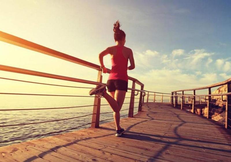 50adb590ec ランニングでダイエットをすることを考えた場合、「何分以上走る必要がありますか?」という質問はよく出てきます。